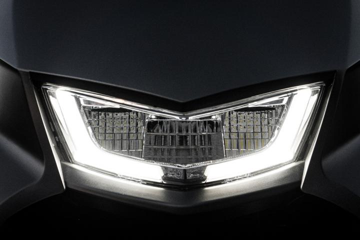 proimages/IN新聞/2019/12/1206_Ai-1/Ai-1_Sport外型時尚酷炫、兼具實用性的高亮度、低耗能LED大燈.jpg